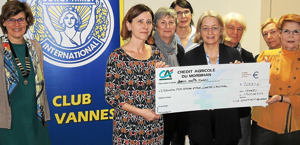 Remise de don à PMMCA par le club Soroptimist de Vannes